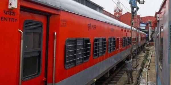 سنٹرل ریلوے دیوالی اور چھت پر تہوار خصوصی ٹرینیں چلائے گی